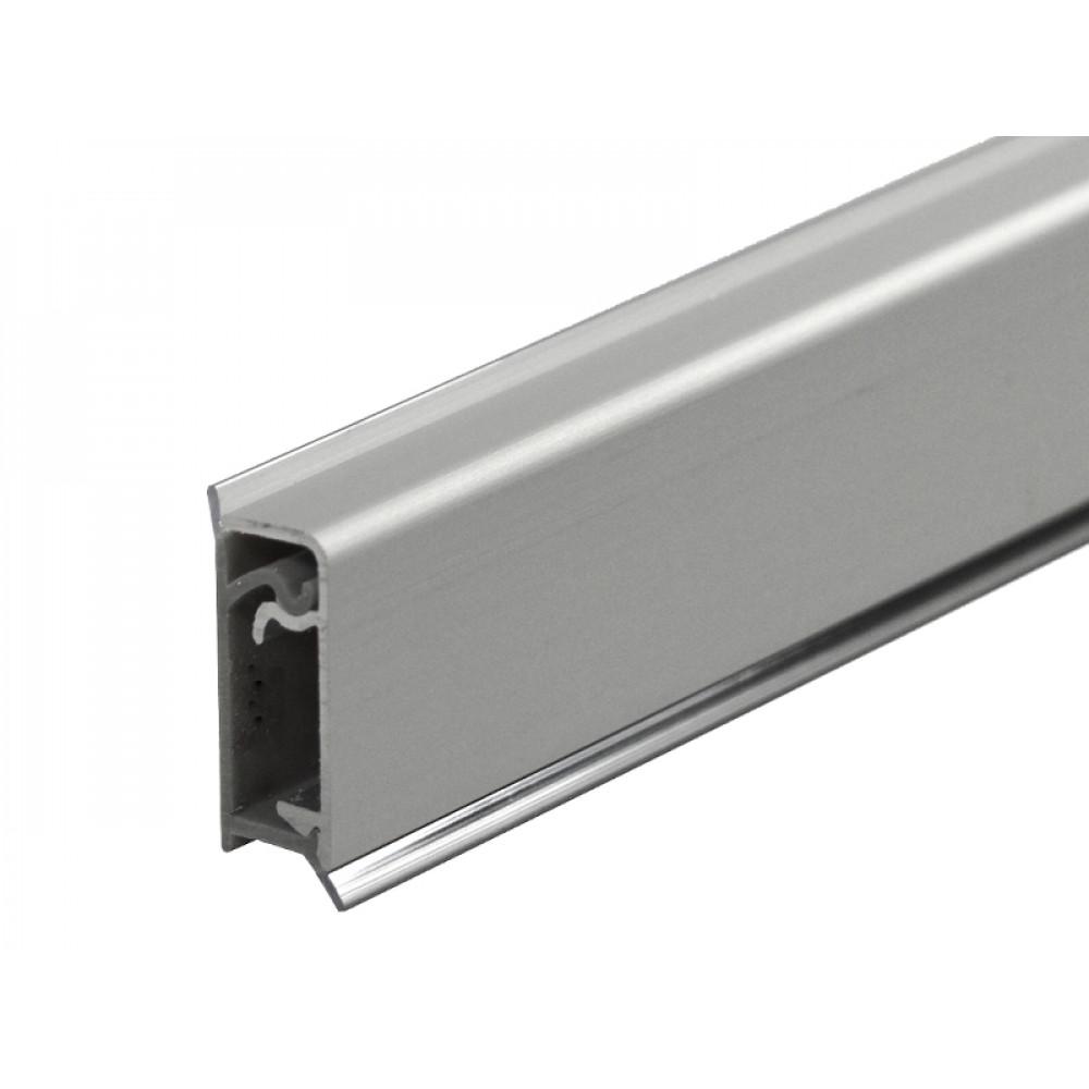 Плинтус угловой пристенный с алюминиевой вставкой КВАДРО L=3050 мм, гладкий
